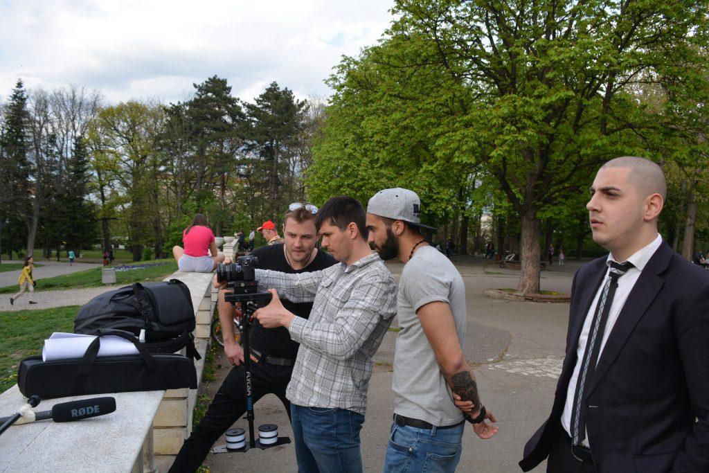 Режисьорът Мартин Асенов, заедно с операторите Майк Бази и Божидар Попов